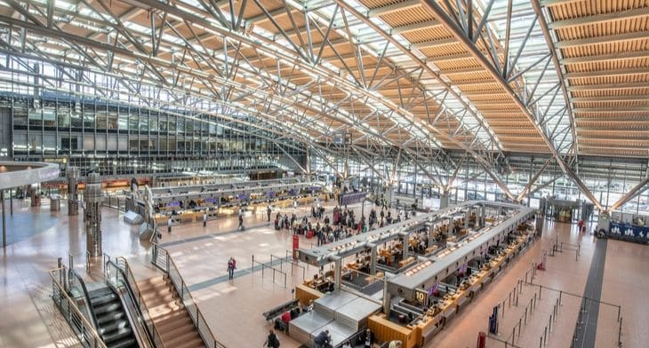 Airlines relocate temporarily at Hamburg Airp..