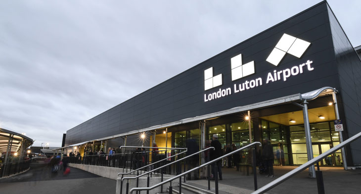 Luton Airport opens drive-through testing cen..