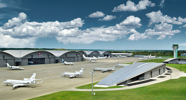 Macquarie acquires Farnborough Airport