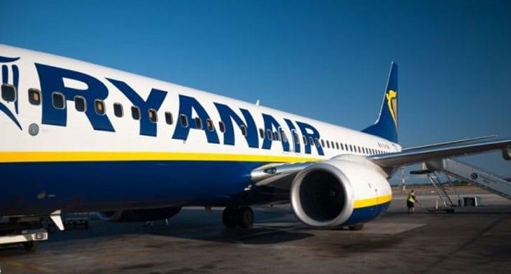 Ryanair reconsidering base closures in Germany