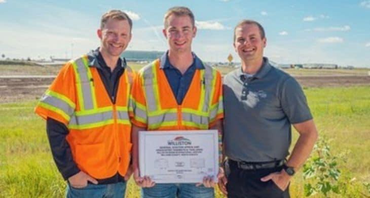 Williston Basin Airport opens but constructio..